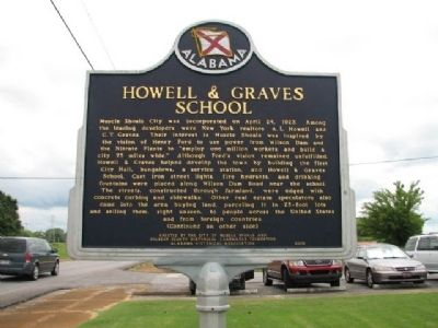 Howell & Graves School Marker image. Click for full size.