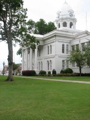 Colbert County Courthouse image. Click for full size.