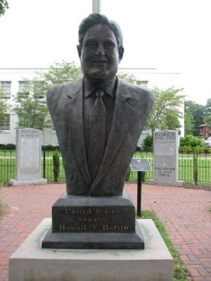 Howell Thomas Heflin Statue image. Click for full size.