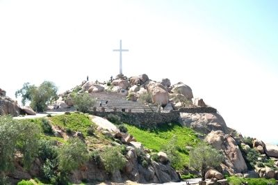 View of cross at top of Mount Rubidoux image. Click for full size.