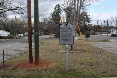 Aiken County Farmer's Market Marker, seen near Richland Street SE (U.S. 78) image. Click for full size.