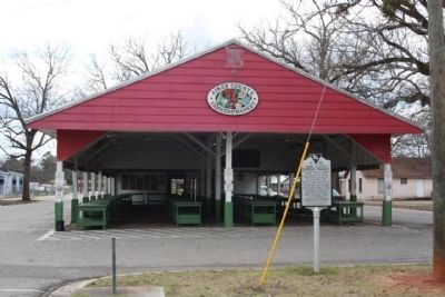 Aiken County Farmer's Market and Marker image. Click for full size.