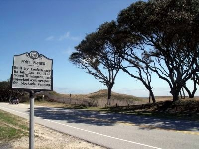Fort Fisher Marker (facing northeast) image. Click for full size.