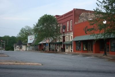 Calhoun Street Downtown Alexander City, Alabama. image. Click for full size.
