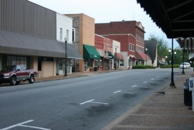 Main Street Downtown Alexander City, Alabama. image. Click for full size.