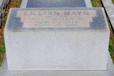 Lillian Mays (1915-1980) Tombstone image. Click for full size.
