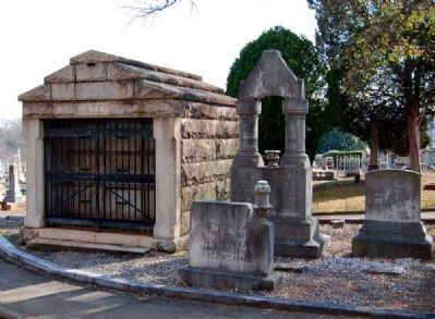 McGee Mausoleum (left)<br>McKay Family Plot (right) image. Click for full size.