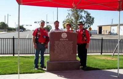 Kerman Marker with dignitaries image. Click for full size.