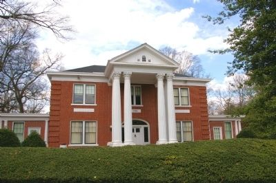 Alpha Delta Pi Memorial Headquarters image. Click for full size.