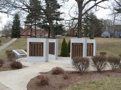 North Haven Korean War and Vietnam War Monuments image. Click for full size.