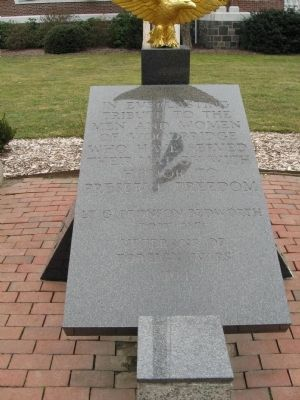 Woodbridge Veterans Monument image. Click for full size.