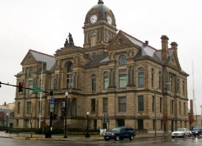 Hancock County Courthouse and Marker image. Click for full size.