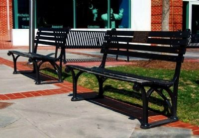Townes Plaza Benches image. Click for full size.