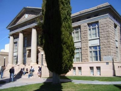 Mohave County Courthouse image. Click for full size.