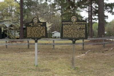 Fort McAllister Marker, shares location with Kilpatrick on Bryan Neck Marker image. Click for full size.