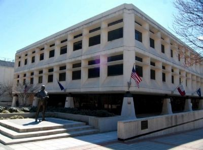 Greenville&#39;s General Statue with<br><i>Greenville News</I> Building image. Click for full size.