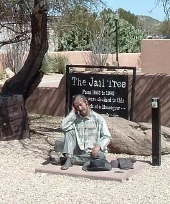 Statue of a Prisoner Chained to the Tree image. Click for full size.