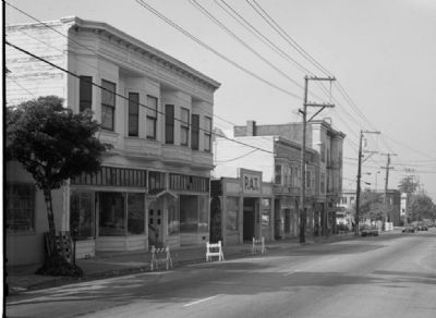 Davis-Byrne Building Streetscape (circa 1991), courtesy of the Historic American Building Survey image. Click for full size.