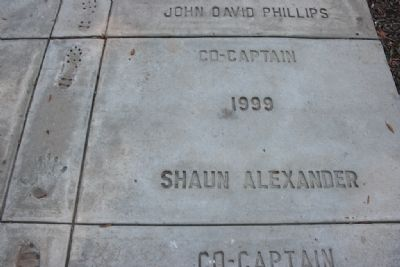1999 Co-Captain Shaun Alexander (Alabama Football Captains Walk of Fame) image. Click for full size.