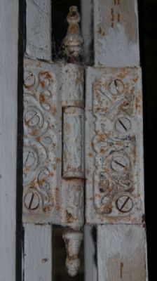 Connor-Hodges House -<br>Interior First Floor<br>Antique Hinge image. Click for full size.