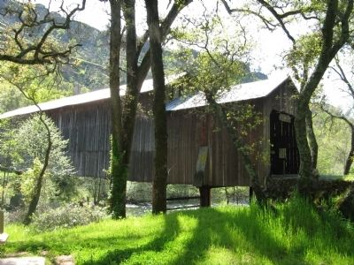 The Honey Run Covered Bridge image. Click for full size.
