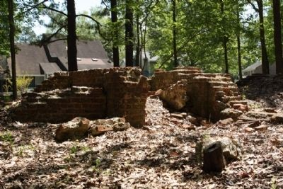 Archdale Hall ruins image. Click for full size.