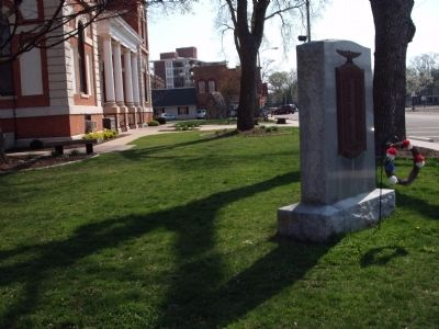 Wide View - - W. W. I War Memorial - Livingston County Illinois Marker image. Click for full size.