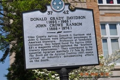 Donald Grady Davidson (1893~1966) John Crowe Ransom (1888~1974) Marker image. Click for full size.