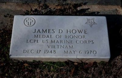 James D. Howe (1948-1970) Tombstone image. Click for full size.