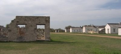 Restored and unrestored buildings at Fort McKavett image. Click for full size.