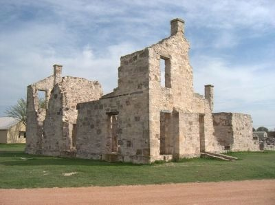 Unrestored building at Fort McKavett image. Click for full size.
