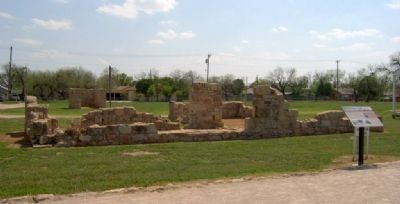 Unrestored building at Fort Concho image. Click for full size.