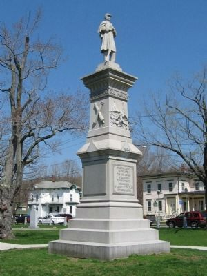 Winchester Soldiers Memorial image. Click for full size.