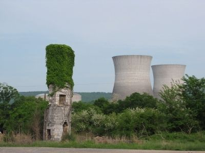 Old Martin Inn/Bellefonte nuclear power station image. Click for full size.