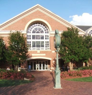 The Belk Library at Elon University image. Click for full size.