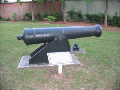 24 Pound Naval Gun and Marker image. Click for full size.