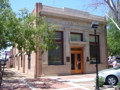 First National Bank of Glendale Building image. Click for full size.
