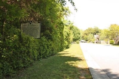 Redoubt Number 3 Marker, returning north on 5 Oaks Court image. Click for full size.