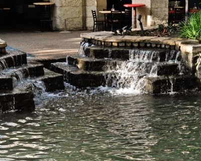 The San Antonio River Walk Has Many Fountains to Oxygenate the Water image. Click for full size.