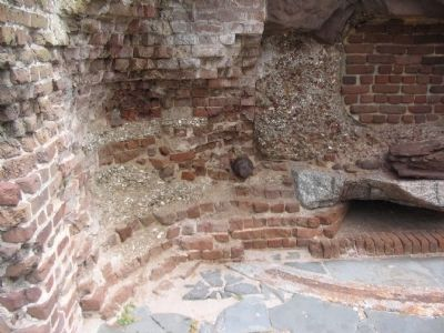 Walls of Fort Sumter image. Click for full size.