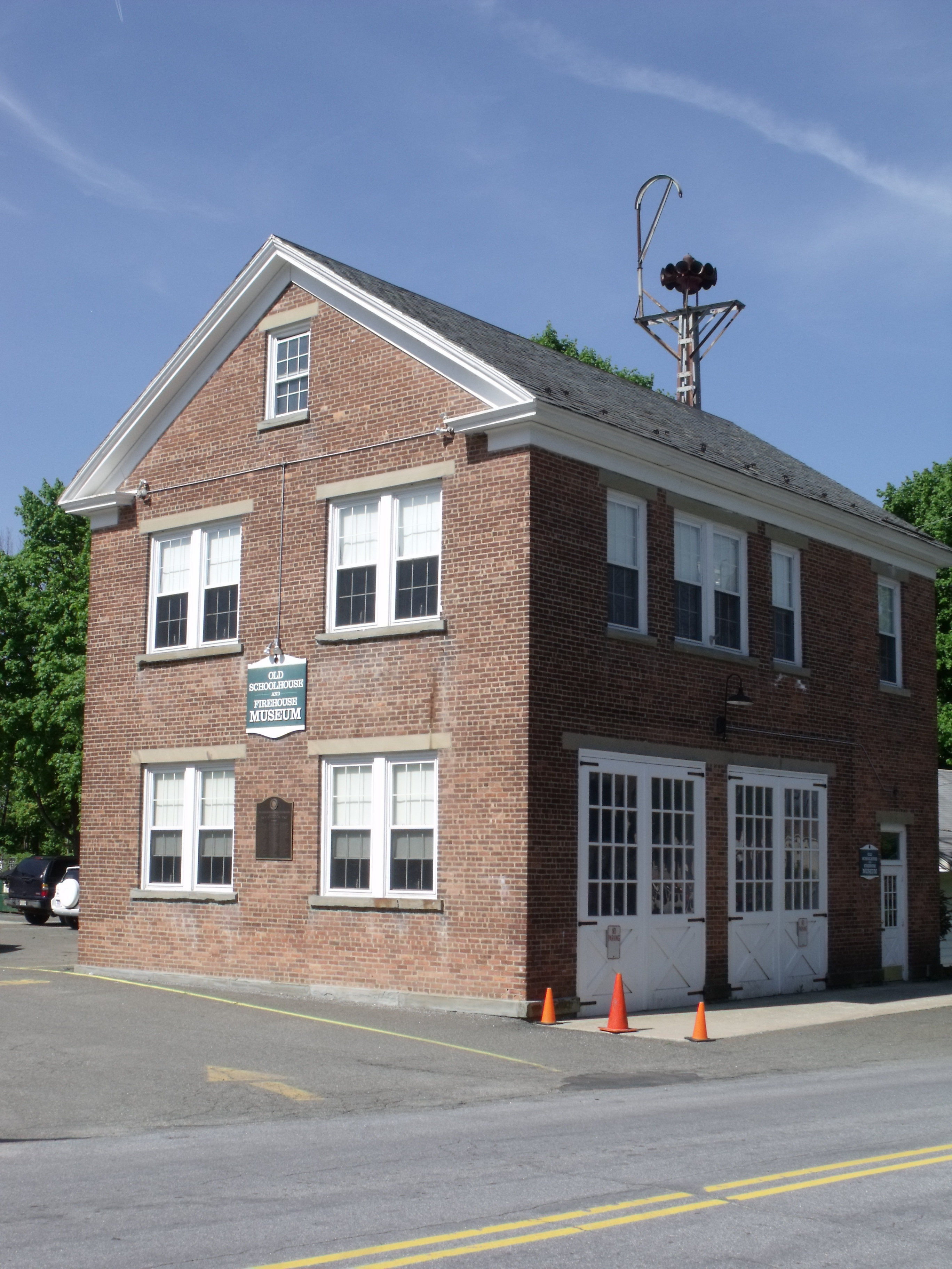 Old Schoolhouse and Firehouse Museum