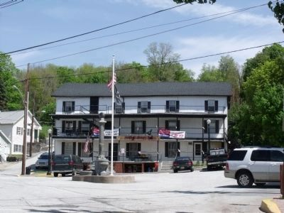 "The historic ""Fountain Square Inn"" image. Click for full size."