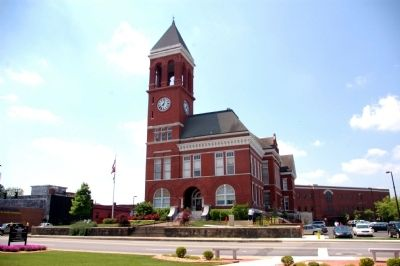 Old Floyd County Courthouse image. Click for full size.