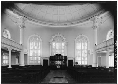 Independent Presbyterian Church, Interior facing pulpit image. Click for full size.