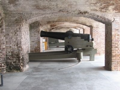 42-pdr Seacoast Gun on Casemate Carriage image. Click for full size.