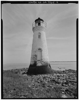 Cockspur Island Lighthouse west elevation image. Click for full size.