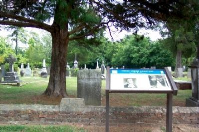 Cross Creek Cemetery and Marker image. Click for full size.