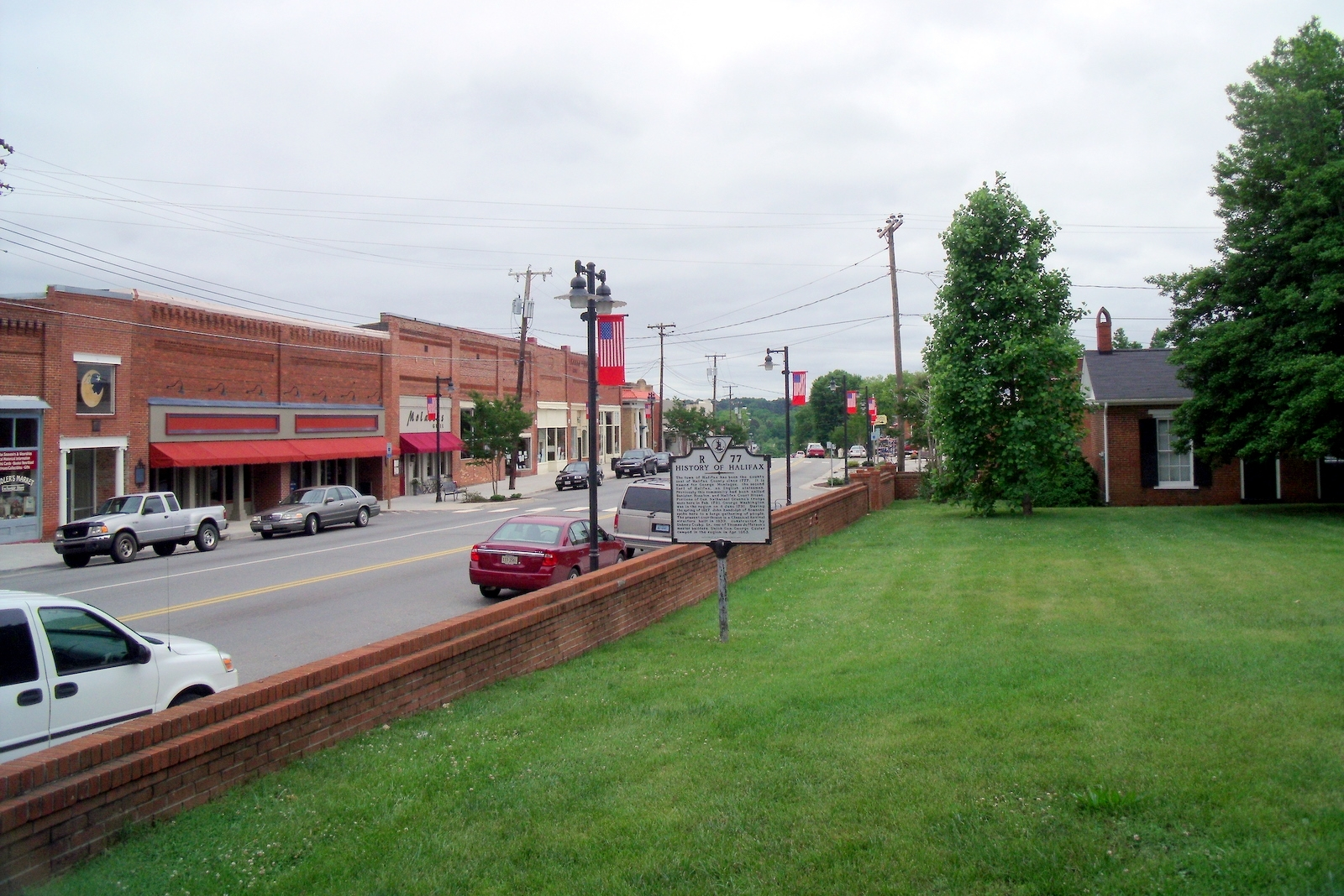 S Main St (facing south)