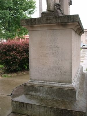 Right End - - W. W. I War Memorial - Oakland, Illinois Community Marker image. Click for full size.