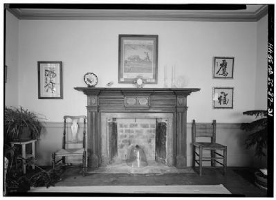 Snee Farm first floor parlor with mantle image. Click for full size.